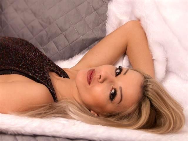Verdorbene Maus Leticia möchte einen Sexpartner
