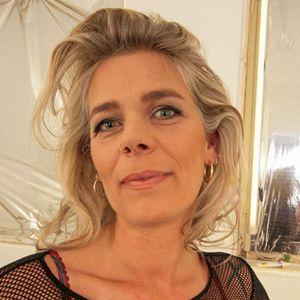 Blonde reife Frau Netztop