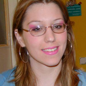 Junge Frau rosa Lippenstift