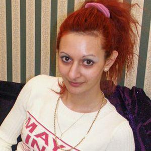 Normale junge Frau rote Haare